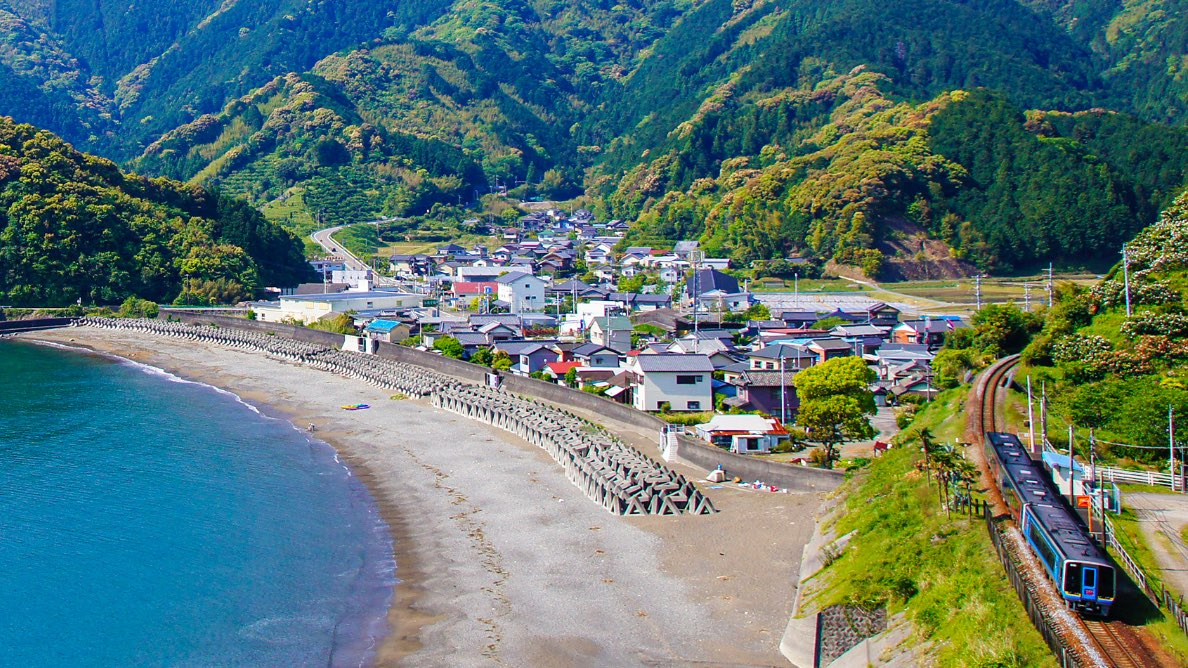 太平洋を眼下に爽快ツーリング!ランチタイムにおすすめの久礼へ!