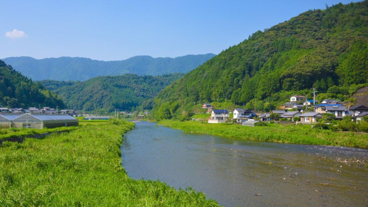 しんじょう君の故郷、新荘川を横目にツーリングへGO!