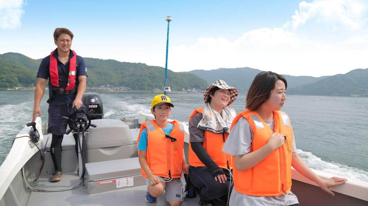 まるで天然の釣堀!家族で楽しめる釣り筏フィッシング!