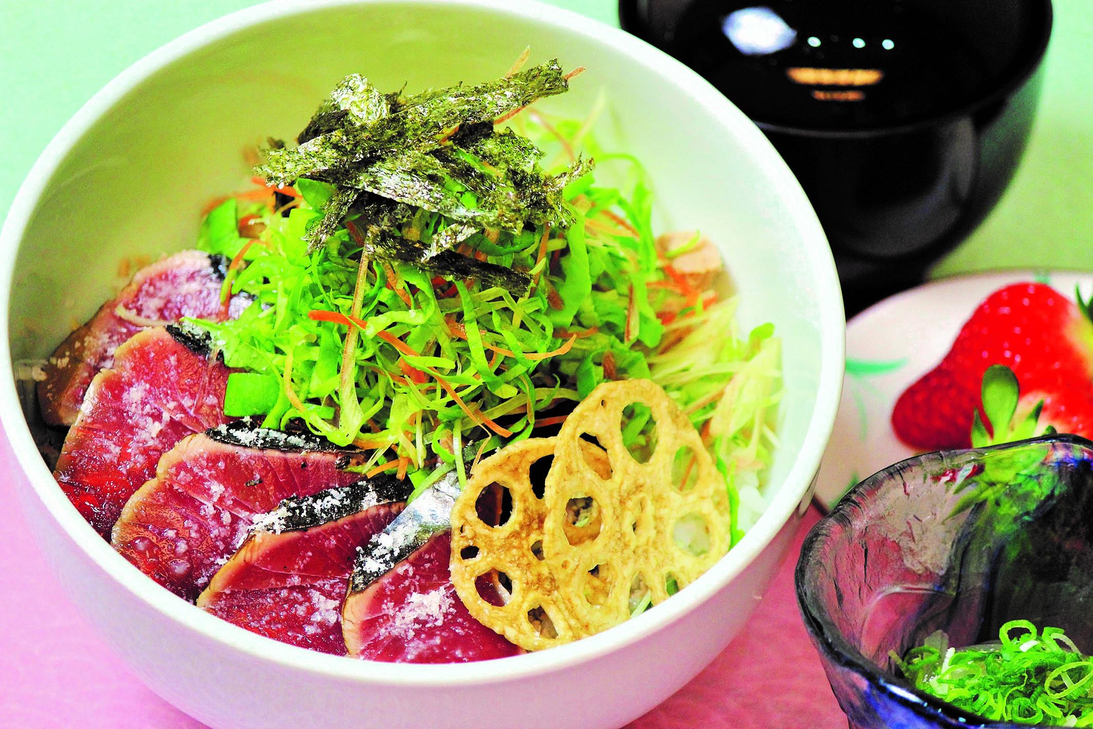 黒潮本陣塩タタキ丼01