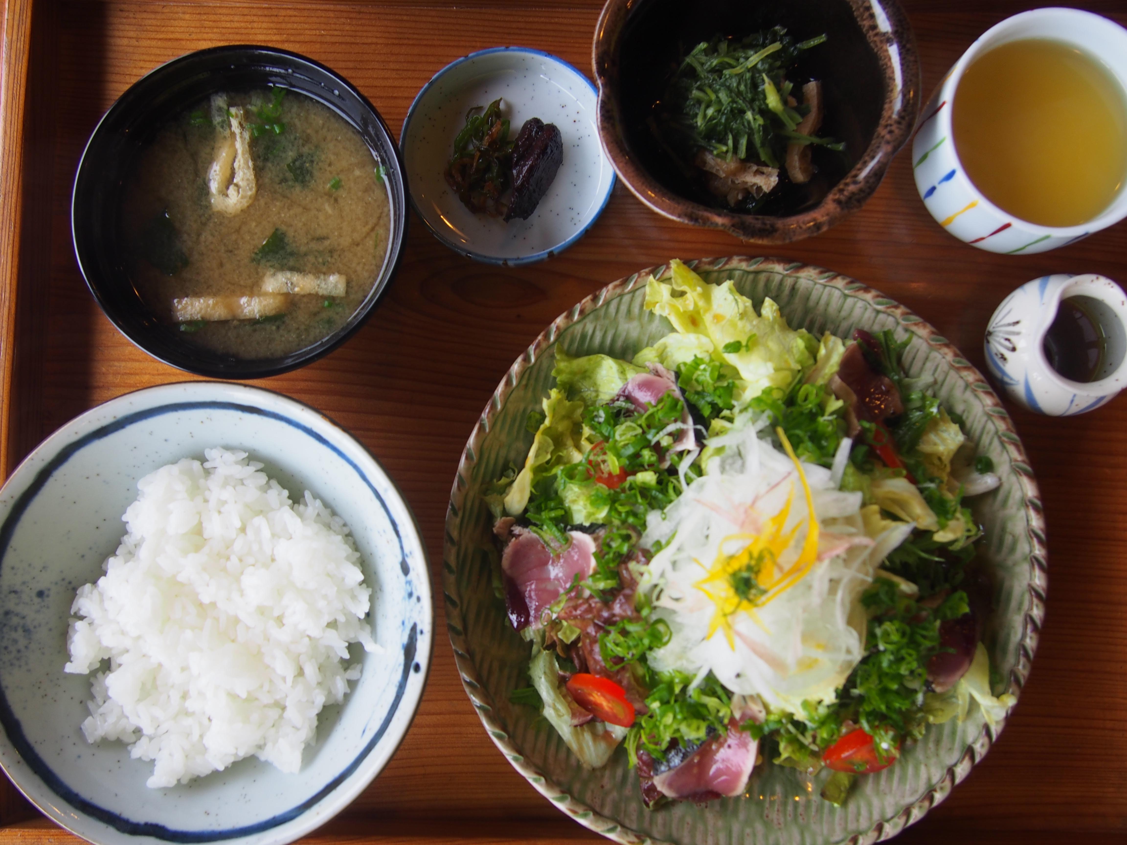 高知 中土佐町 萬や ランチ 魚サラダ定食