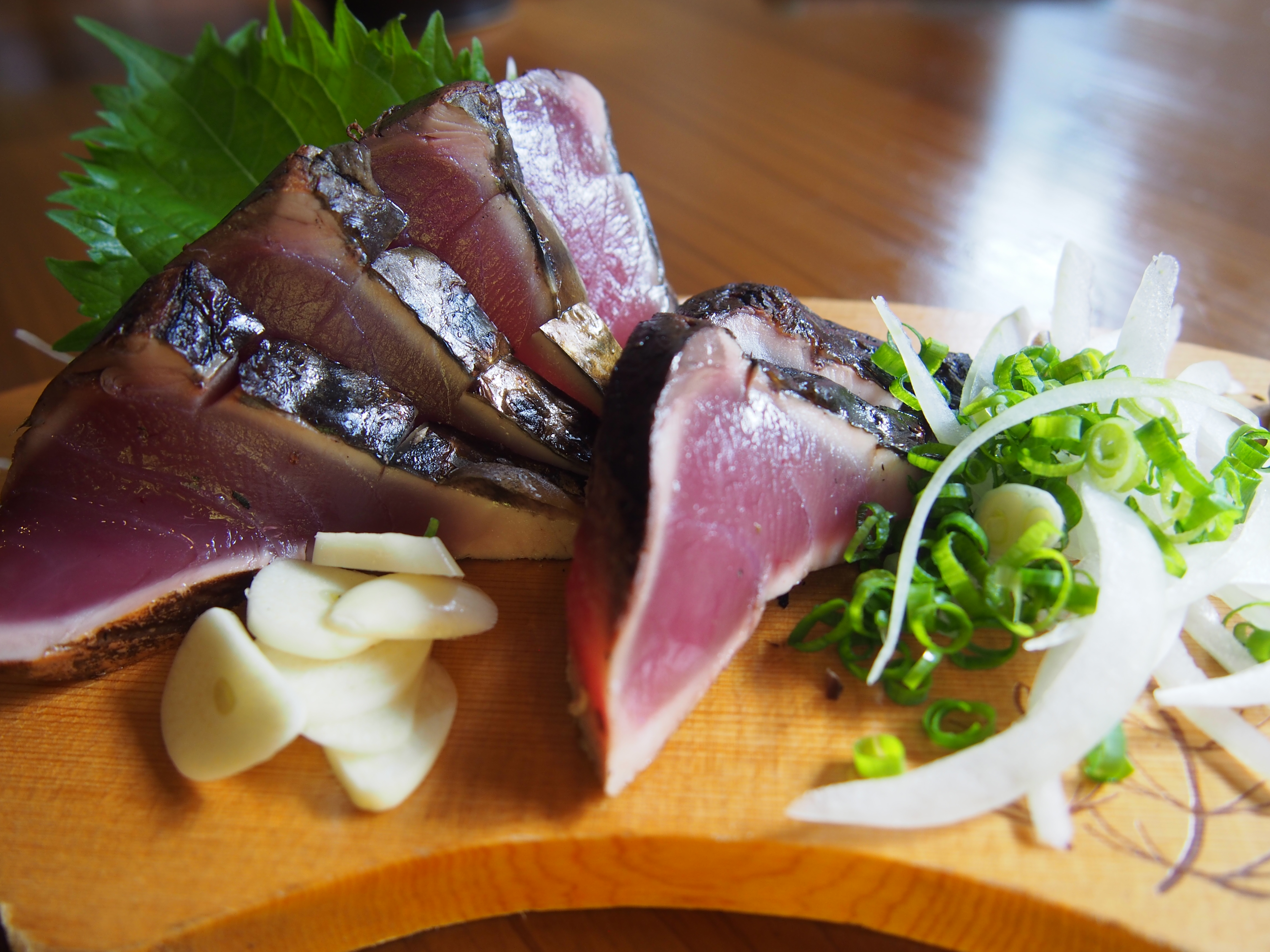 高知 中土佐町 山本鮮魚店 鰹の藁焼きタタキ
