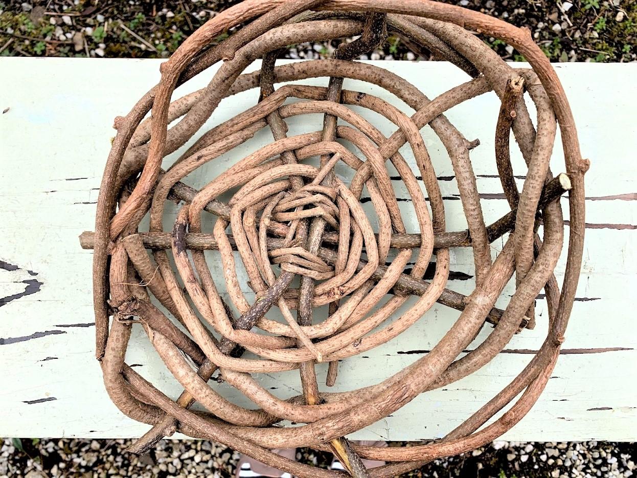 裏山のキウイのツルであなただけの籠編み体験